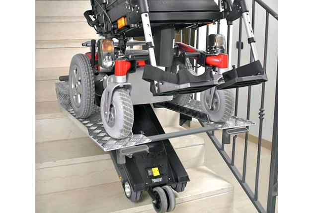Engelli ve Yaşlılar İçin Merdiven Asansörü Üretildi