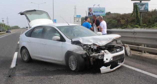 Terme Akçay Köprüsü'nde Trafik Kazası: 3 Yaralı