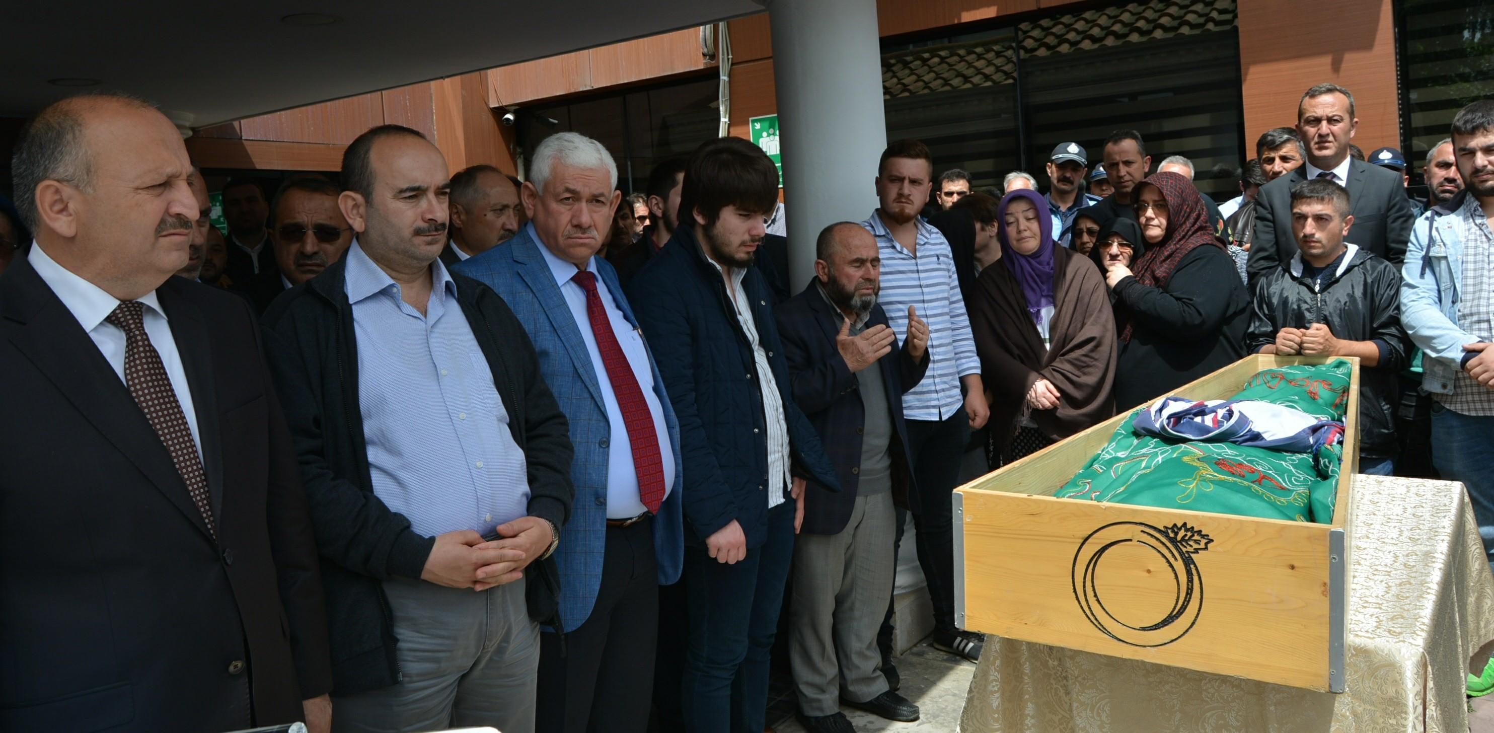 GÜMÜŞ, Belediye Önünde Düzenlenen Törenle Son Yolculuğuna Uğurlandı
