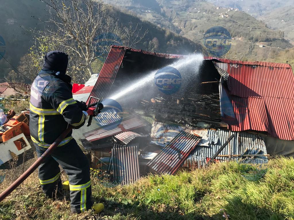 Pelitliyatak'ta Ev Yangını