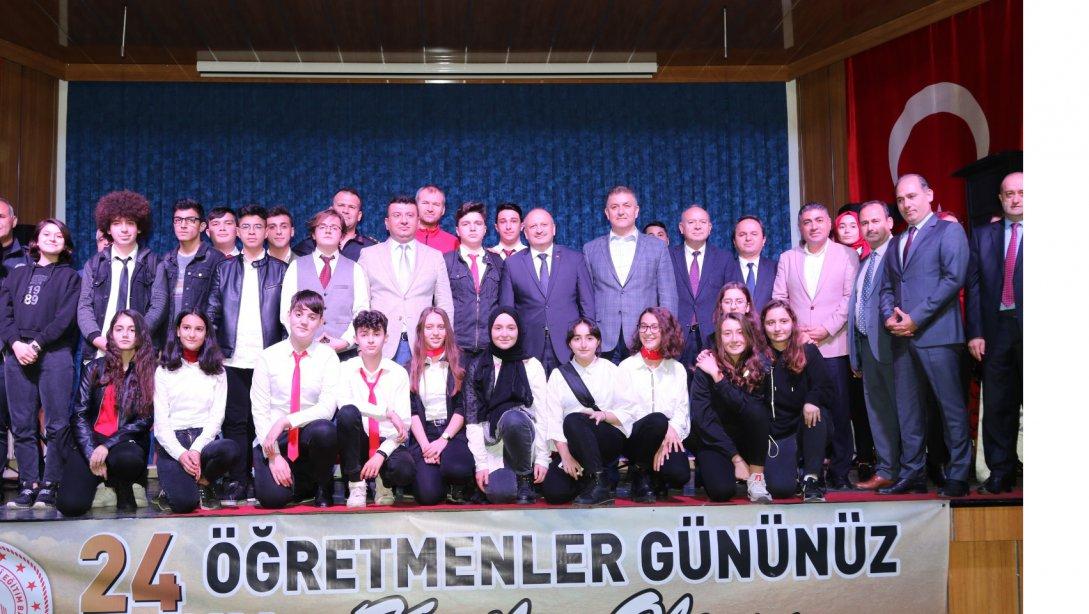 Ünye'de 24 Kasım Öğretmenler Günü Coşkuyla Kutlandı