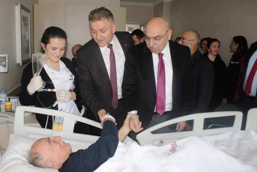 Eski Başkan İsmail Cerrahoğlu Tünel Girişinde Kaza Geçirdi…