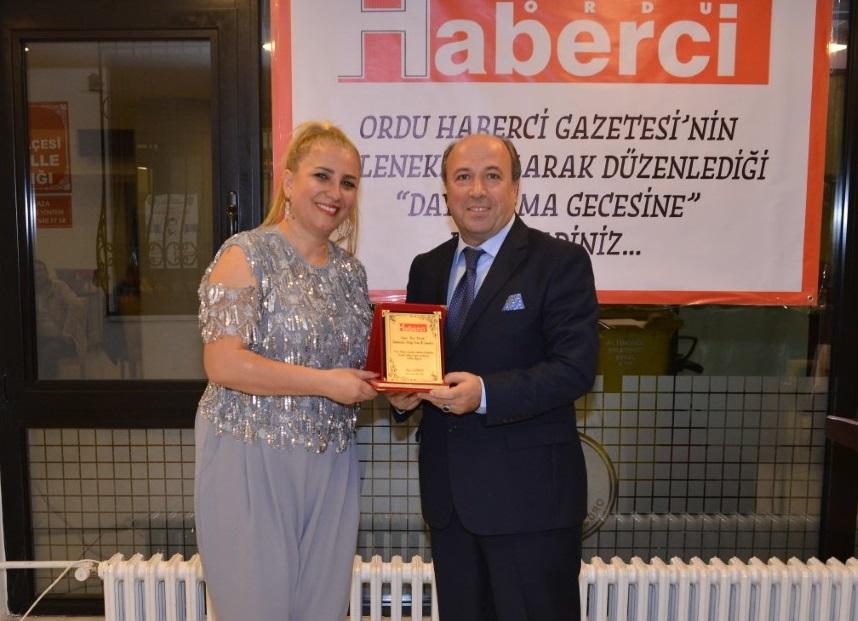 Dayanışma Gecesi'nde Musa Kıranlı'ya Onur Ödülü