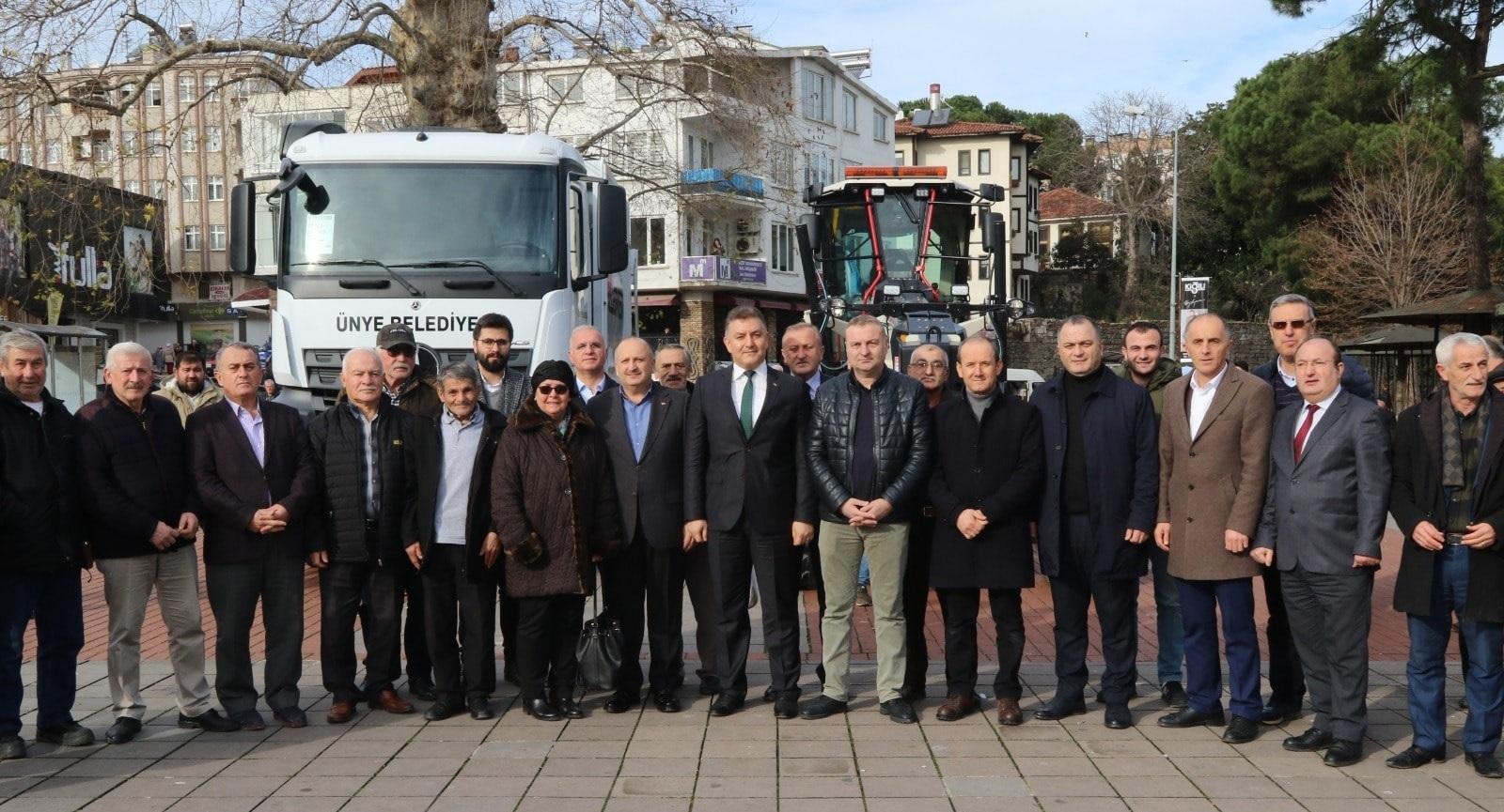 Ünye Belediyesi Bünyesine Kattığı 2 Yeni Aracı Tanıttı