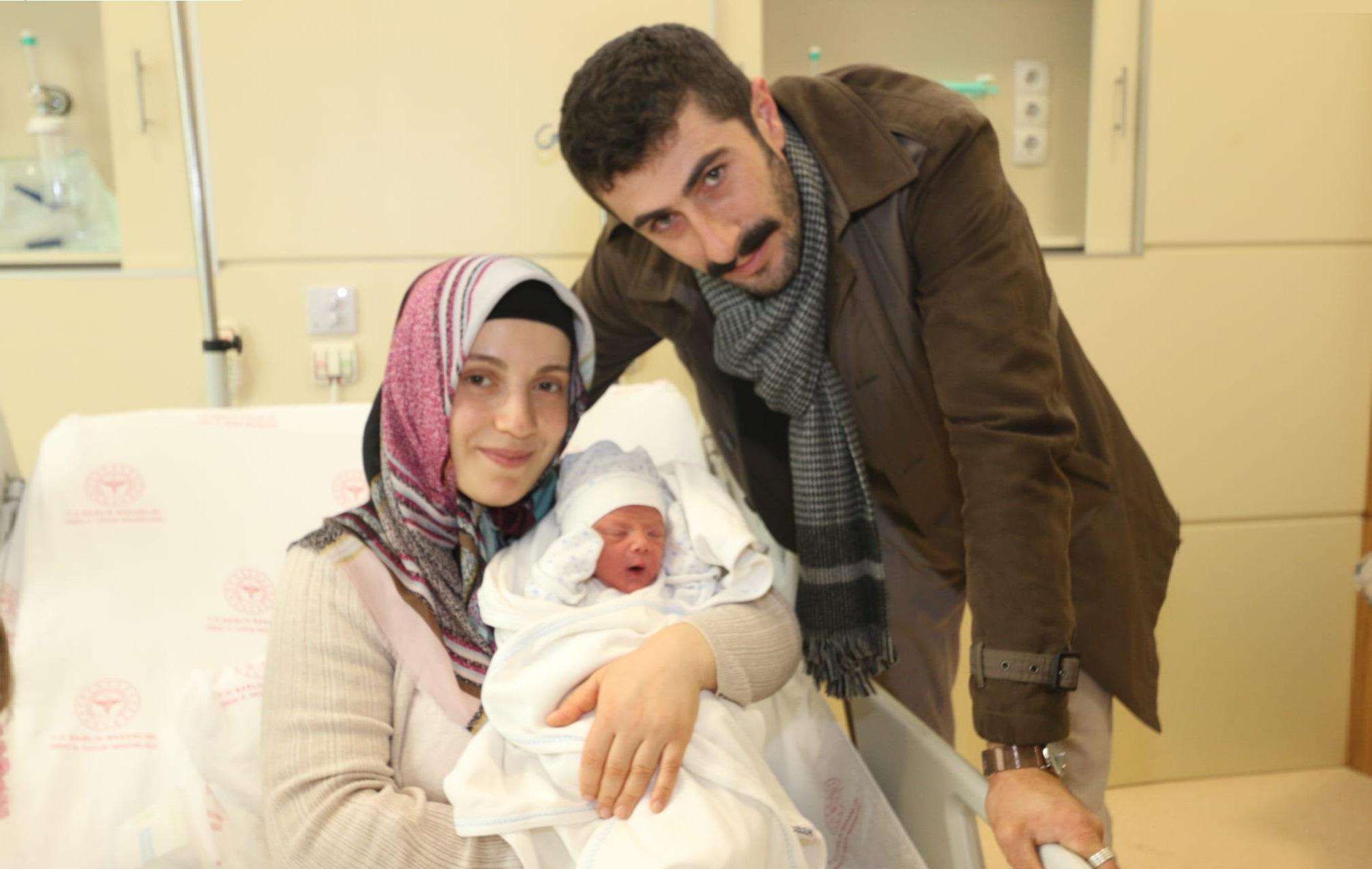 2020'nin İlk Bebeği Yusuf Oldu