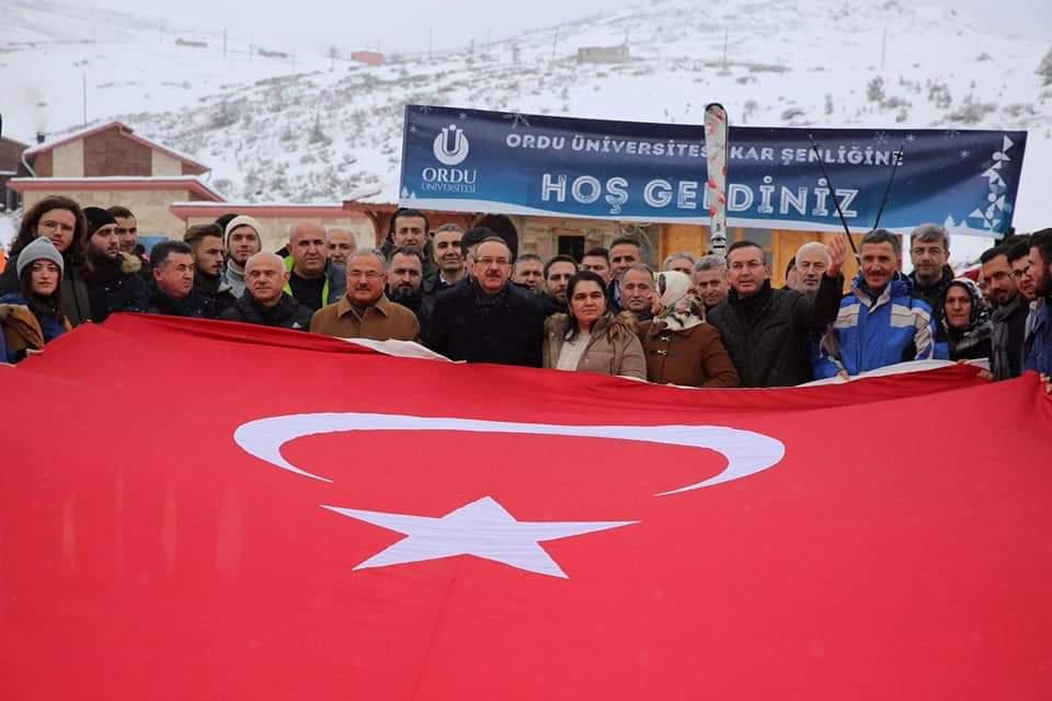 Vali Yavuz, ODÜ Çambaşı Kar Şenliğine Katıldı
