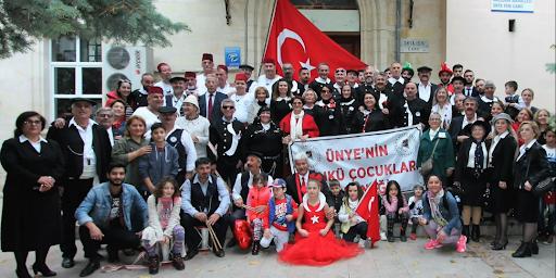 Ünye'nin Dünkü Çocuklar Derneği 19 Mayıs Gençlik ve Spor Bayramınız kutluyor