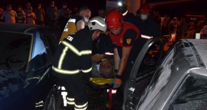 İki otomobil çarpıştı: 6 yaralı
