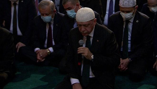 Cumhurbaşkanı Erdoğan, Ayasofya-i Kebir Cami-i Şerifi'nde Kur'an-ı Kerim okudu