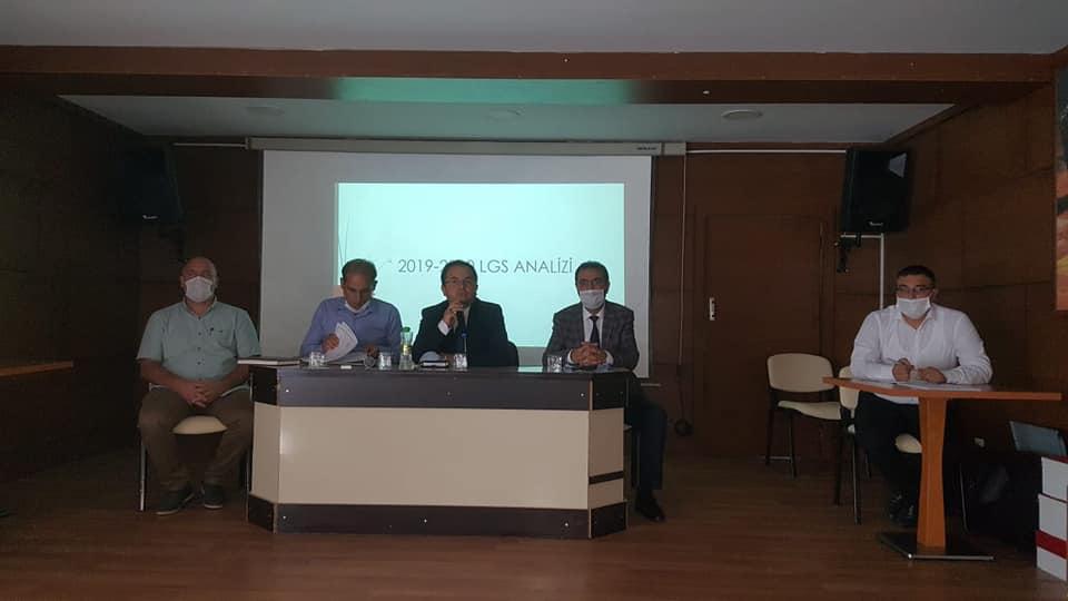 MÜDÜRLER TOPLANTISINDA COVİD-19 DEĞERLENDİRMESİ YAPILDI