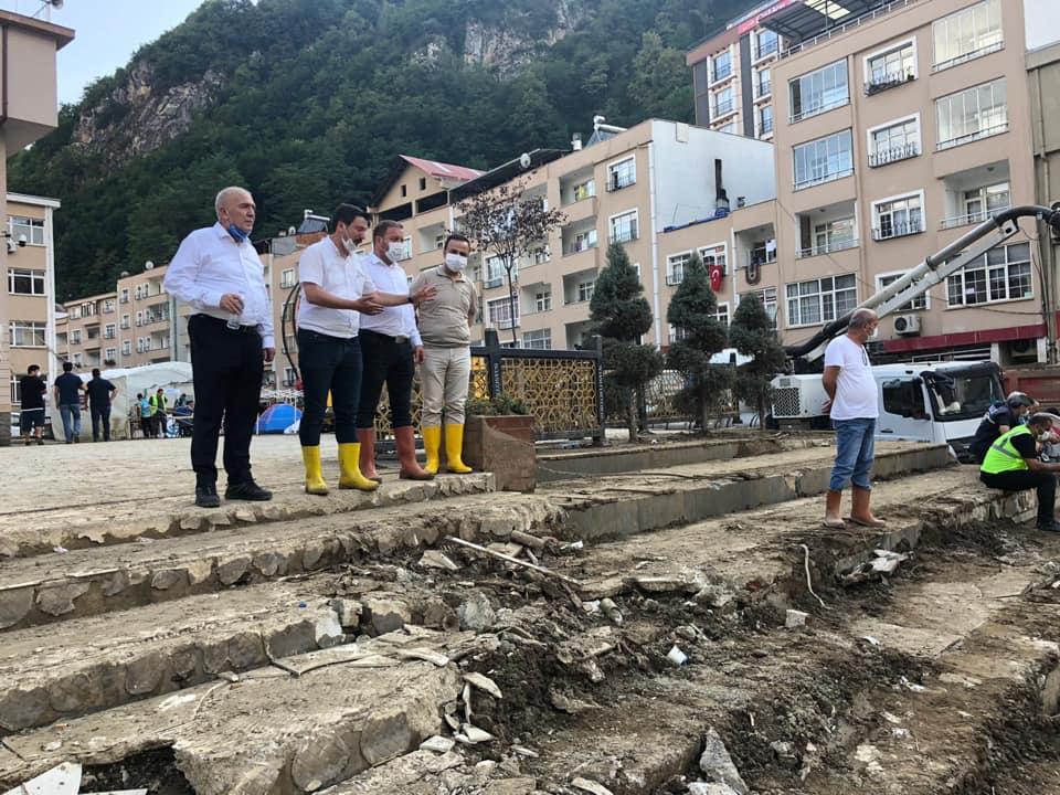 MHP'Lİ BAŞKANLAR AFET BÖLGESİNDE