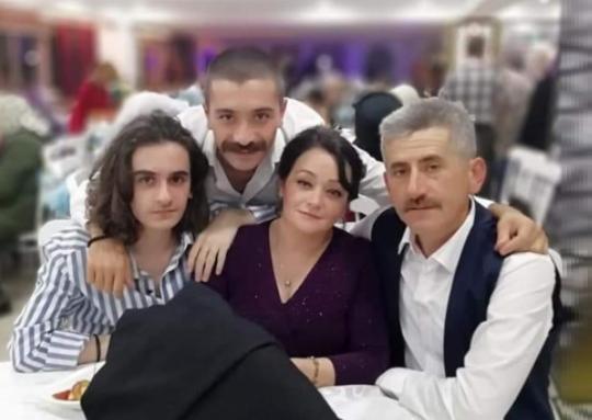 BAŞARILI ÖĞRENCİ ÜNYE'Yİ GURURLANDIRDI