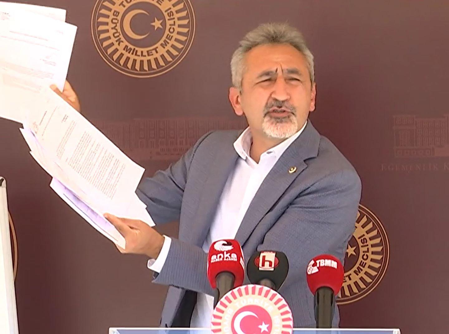 """""""SAĞLIK BAKANI DEĞİL SANSÜR BAKANI"""""""