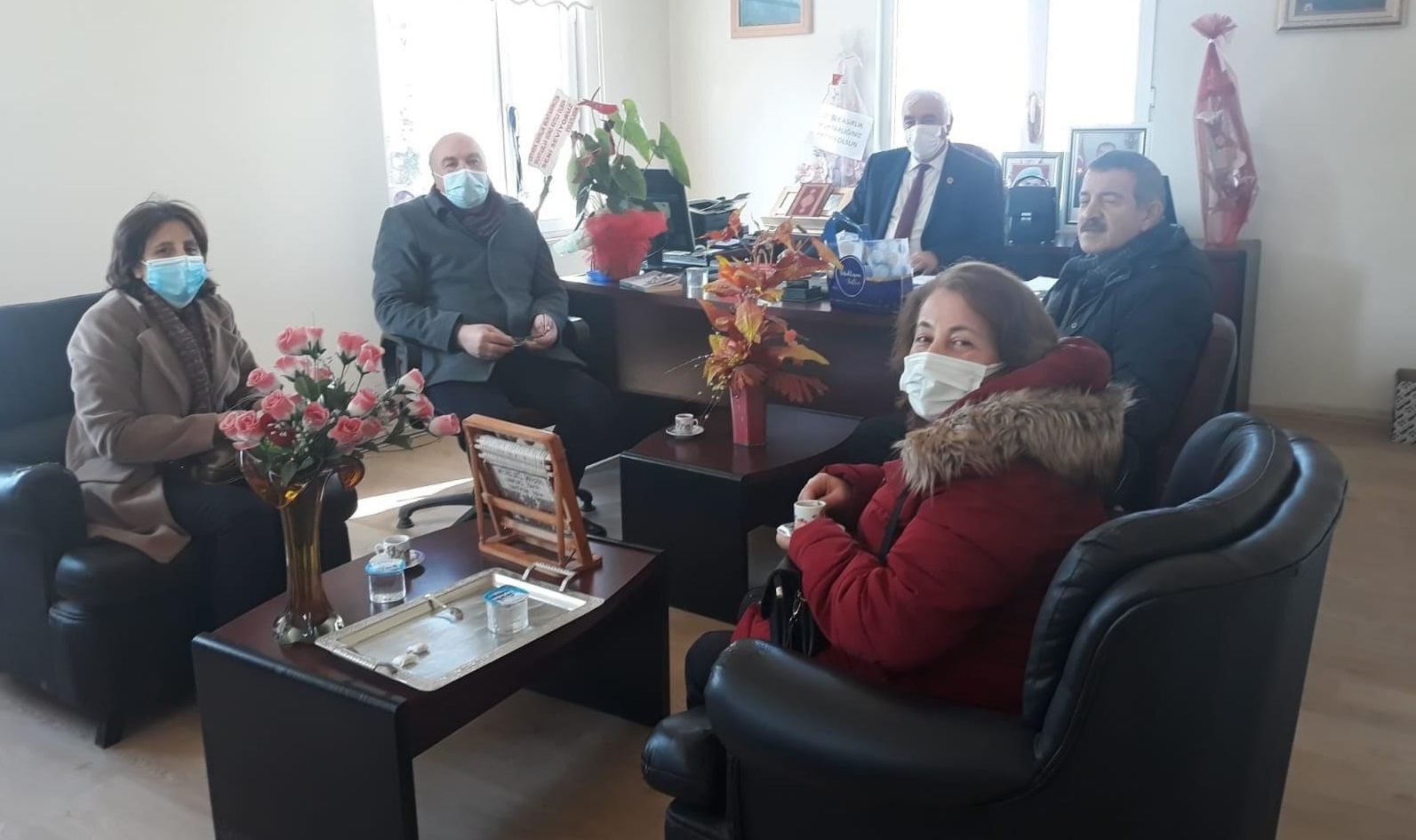 CHP MUHTARLARLA İSTİŞARE EDİYOR